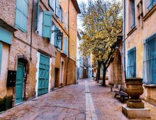 Gezellig straatje in Provence